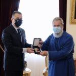 Συνάντηση του Έλληνα Υφυπ. Εθνικής Αμύνης με τον Αρχιεπίσκοπο Κύπρου